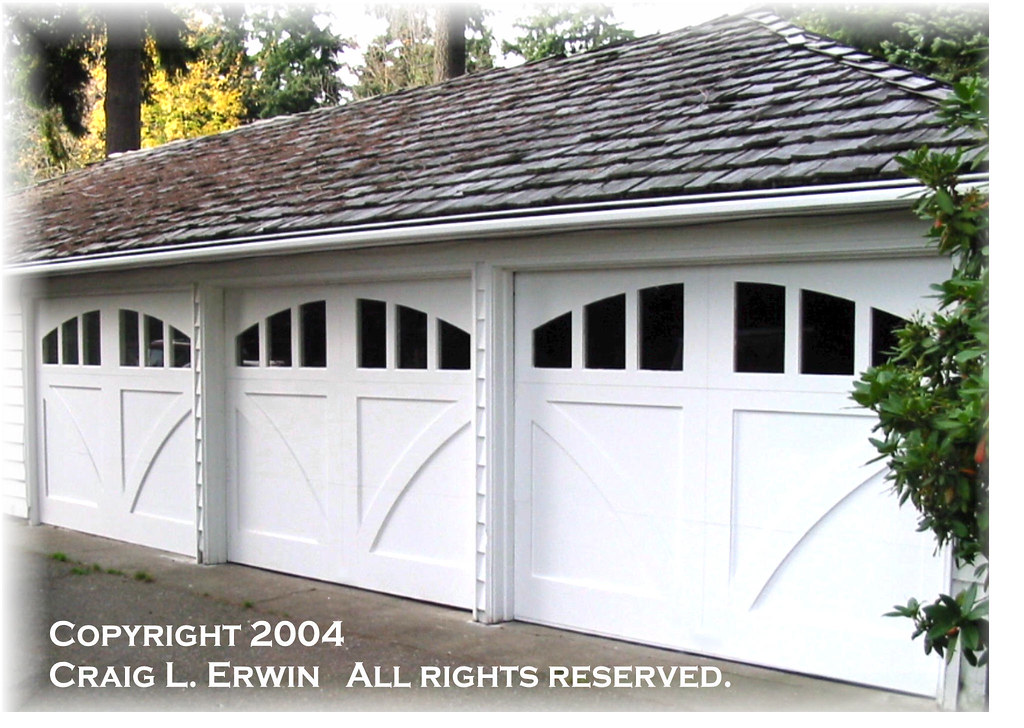 Seattle Custom Garage Door   Copyright 2004 Craig L. Erwin. All Rights  Reserved.