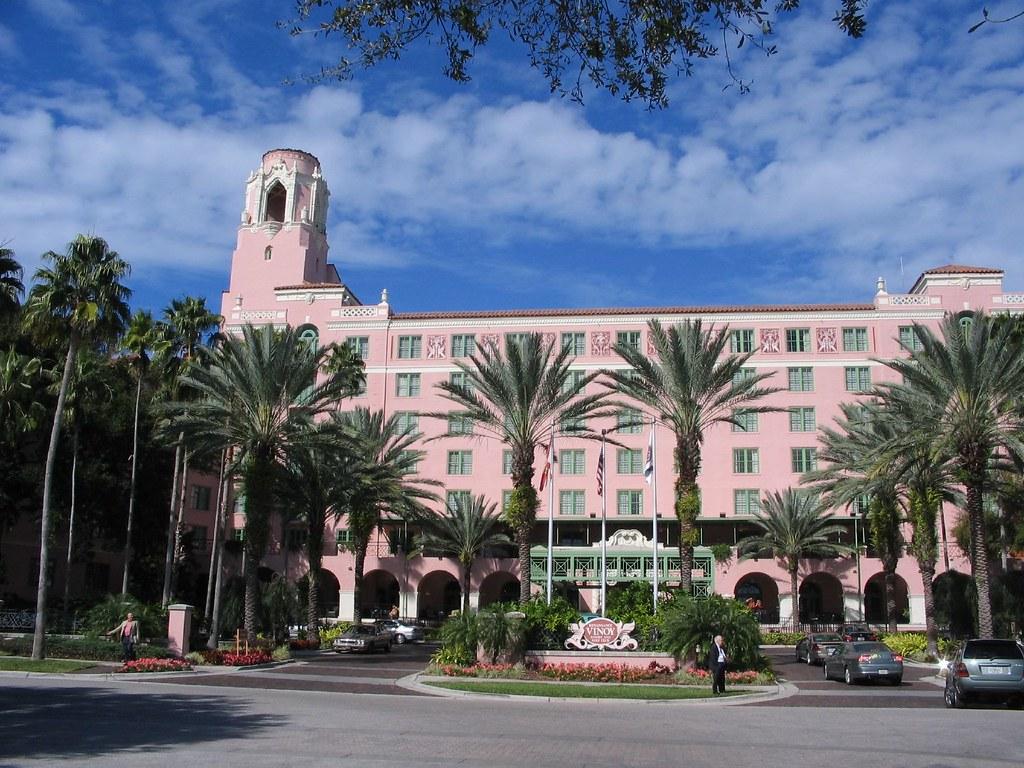 Vinoy Park Hotels Near