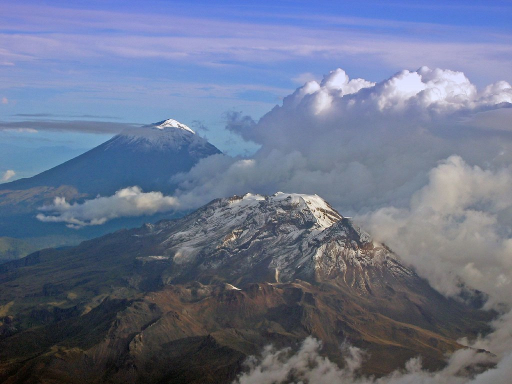 iztaccihuatl and popocatépetl Popocatépetl & iztaccíhuatl volcano hiking adventure go on a hiking tour of two of mexico's prominent peaks, iztaccihuatl and popocatépetl have the option to hike through the middle trail and admire the scenery from a great height.