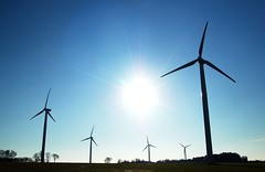 mill(0.0), electricity(0.0), machine(1.0), windmill(1.0), wind(1.0), wind farm(1.0), wind turbine(1.0),