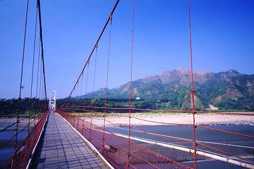 Y395雙十吊橋與九九峰
