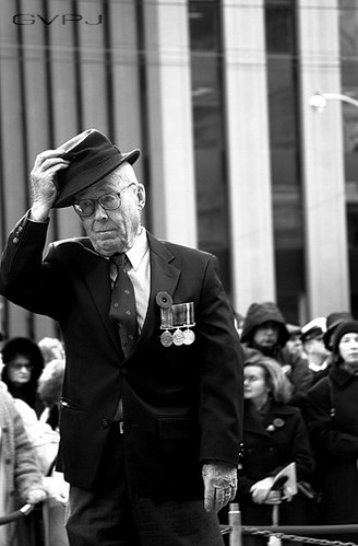 War vet salutes his fallen friends during Remembrance Day November 11th 2003