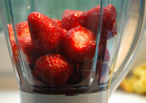 Strawberries in a blender by kinuk, on Flickr