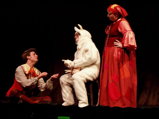 Warren wilson theatre into the woods spring 2004