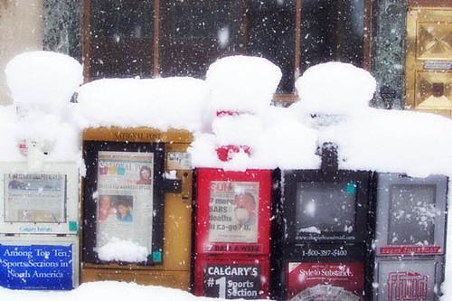ph_20030426_snow_day_news_boxes