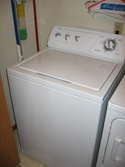 refrigerator(0.0), clothes dryer(1.0), major appliance(1.0), washing machine(1.0),