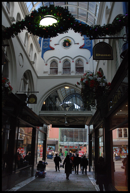 Thornton's Arcade, Briggate entrance