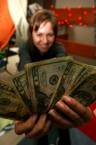aunt megan and her birthday money    MG 7717