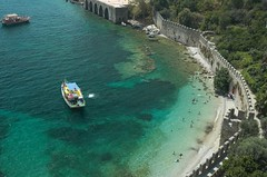 Alanya oude muur en strand