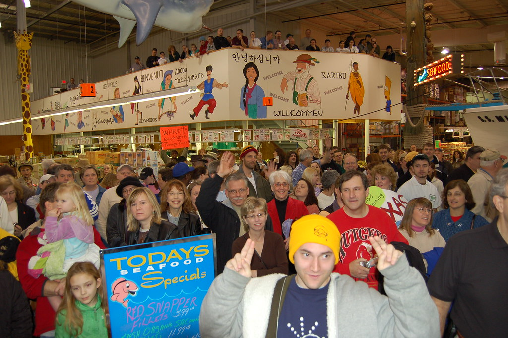 GMA LIVE at Jungle Jim's 0360 | If you see your picture and