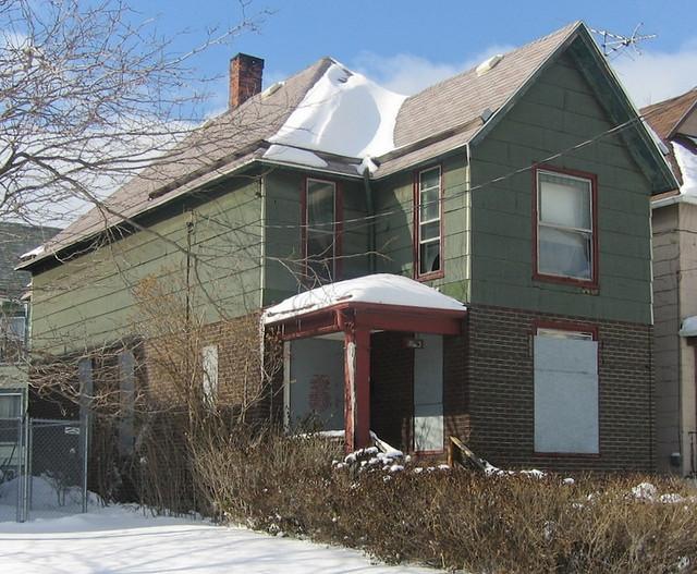 1042 Ellicott - Buffalo, NY (2/2007)
