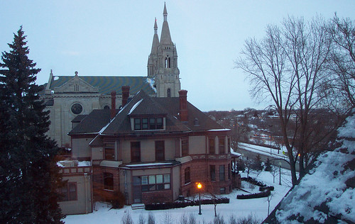 morning winter snow sunrise siouxfalls bishopsresidence saintjosephscathedral
