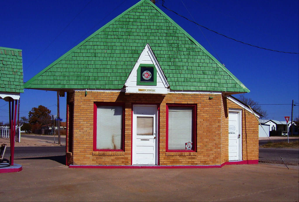 Somewhere in Texas: Sinclair Dealer's Station
