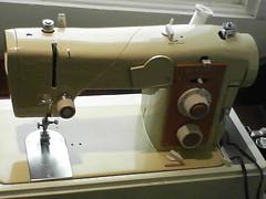 wheel(0.0), sewing machine(1.0), art(1.0),