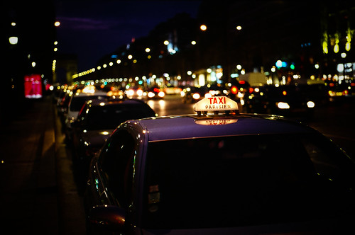 nighty taxi parisien