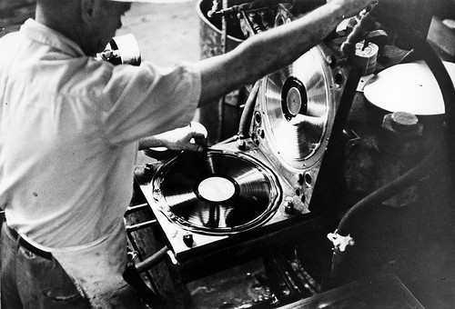 record_manufacturing_1954_10