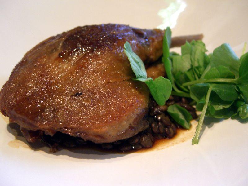 Confit duck leg with du puy lentils bistro vue flickr for Aquitaine france cuisine