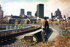 Vu du Vieux Port avec cycliste