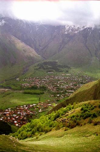 fog georgia valley sakartvelo kazbegi kazbeki qazbegi
