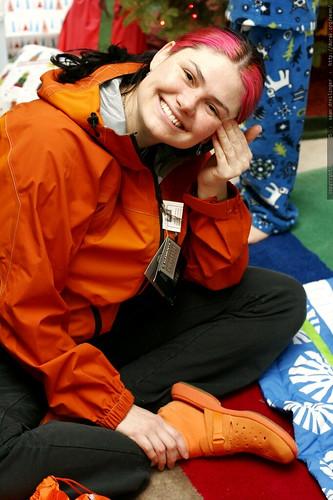 orange jacket, orange shoes    MG 7788