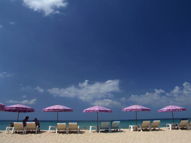 Sun Shade: Room Essentials 7' Tilt Beach Umbrella - Prices
