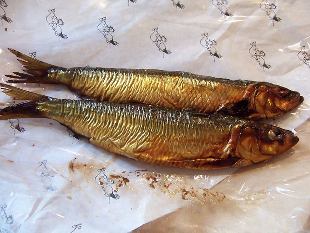 B ckling smoked herring a couple of b ckling by for Smoked herring fish