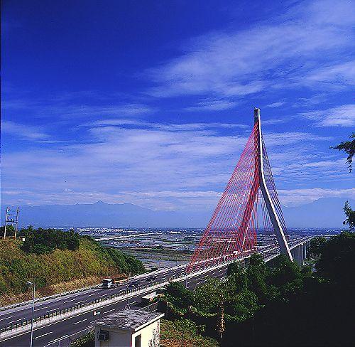 7007南二高斜張橋