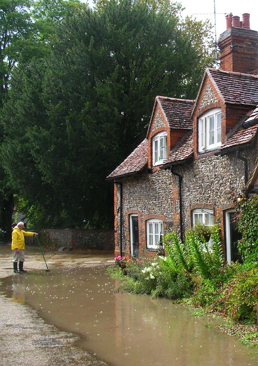 Book 2, Walk 7, Henley via Hambleden Circular 1 Hambleden village, 20 August 2006