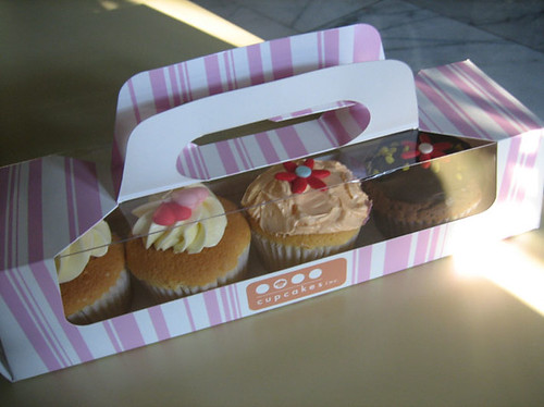 Cupcakes and packaging