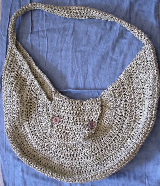 Plastic bag craft: Two crocheted tote bags – Canadian Living