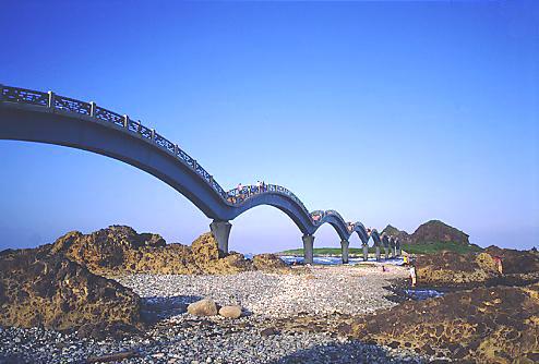 U165成功三仙台八拱跨海步橋
