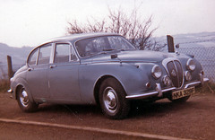 model car(0.0), bmw 501(0.0), compact car(0.0), automobile(1.0), executive car(1.0), daimler 250(1.0), jaguar mark 2(1.0), vehicle(1.0), mid-size car(1.0), jaguar mark 1(1.0), mitsuoka viewt(1.0), antique car(1.0), sedan(1.0), classic car(1.0), vintage car(1.0), land vehicle(1.0), luxury vehicle(1.0), jaguar s-type(1.0),