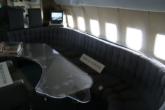 070 Airplane Showcase Air Force One Interior