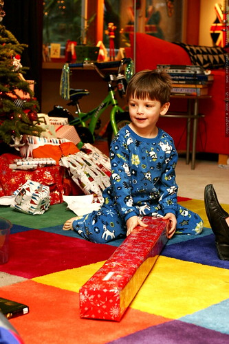 nick opening a big present    MG 7411