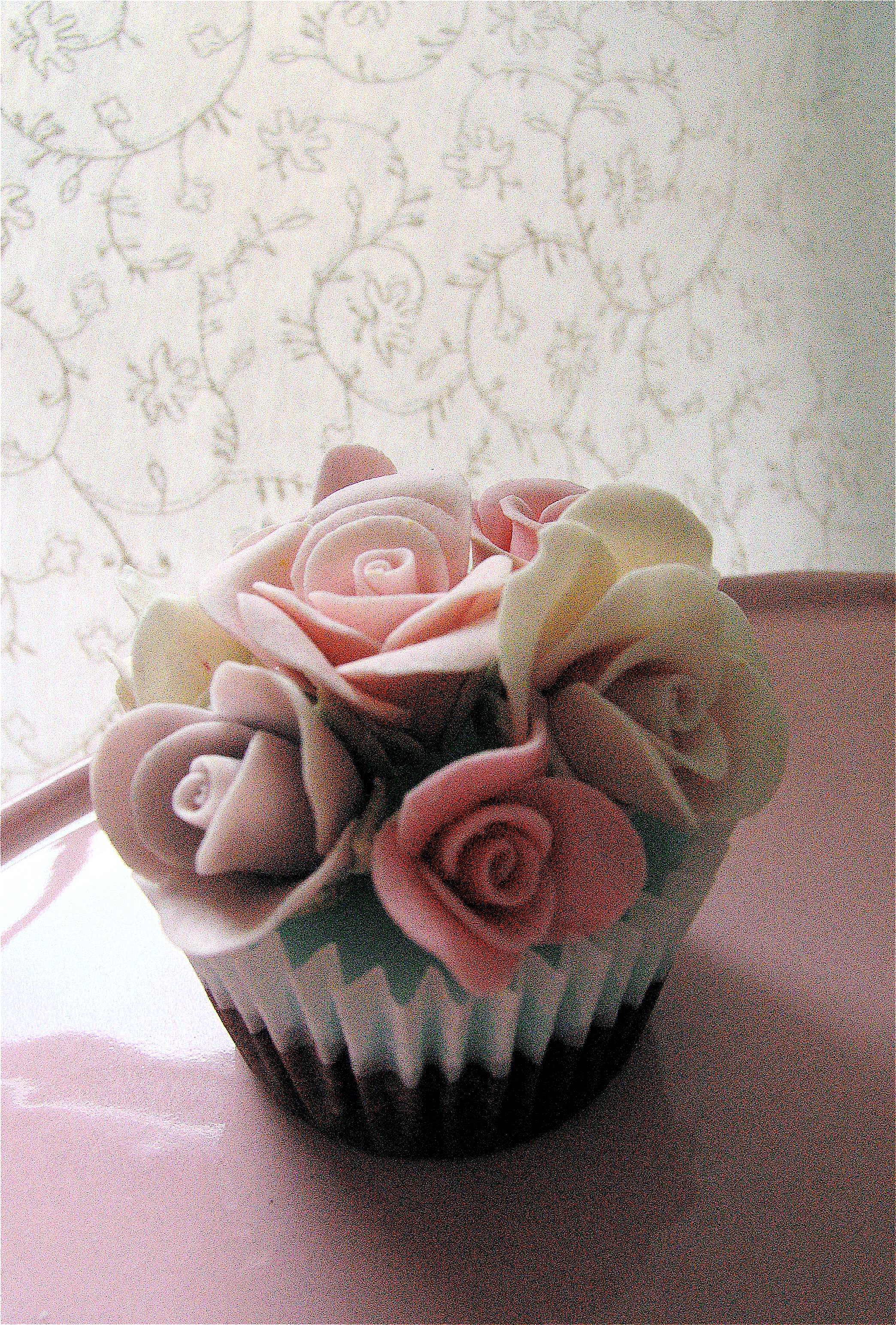 rose shabby chic cupcake flickr photo sharing. Black Bedroom Furniture Sets. Home Design Ideas