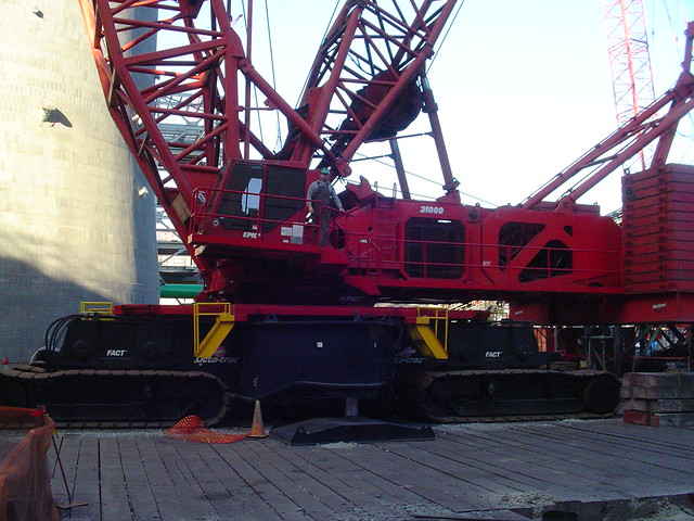 Manitowoc 21000 http://www.flickr.com/photos/23617731@N00/382199603/