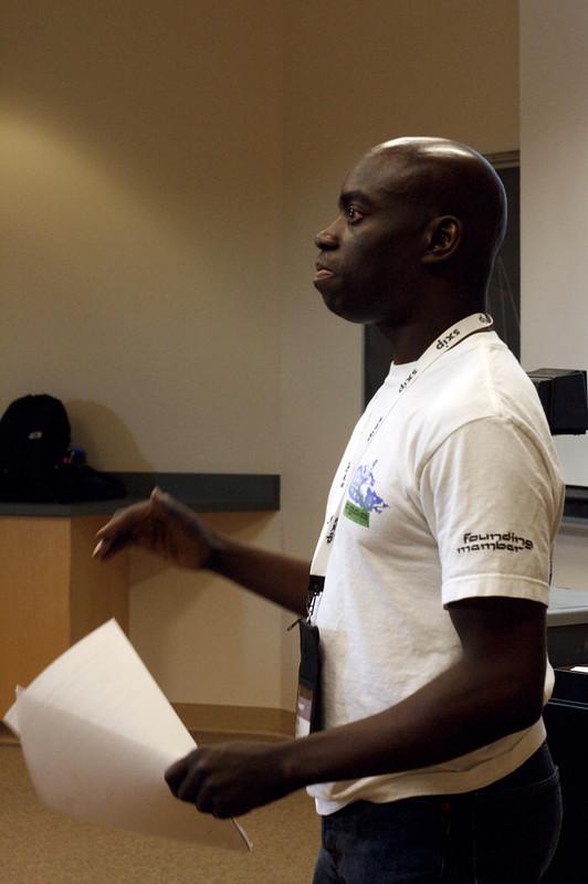 Phillip Jeffrey Demonstrates Facebook at 2007 Northern Voice Moosecamp