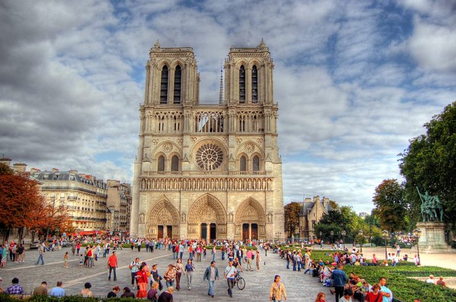 Notre Dame Cathedral in Paris - Flickr CC Giorgios
