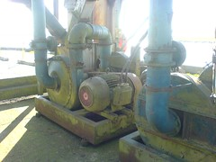 steam engine(0.0), machine(1.0), pumping station(1.0),