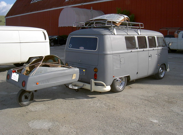 Slammed VW Bus with trailer