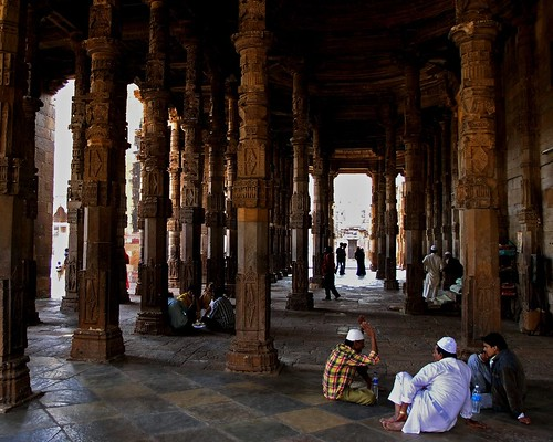 in Adhai-Din-Ka-Jhonpra Mosque by Zé Eduardo...