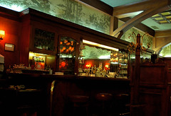 restaurant(0.0), interior design(1.0), cafã©(1.0), bar(1.0), tavern(1.0),