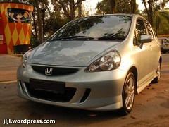 automobile, automotive exterior, wheel, vehicle, automotive design, subcompact car, honda, bumper, honda fit, land vehicle,