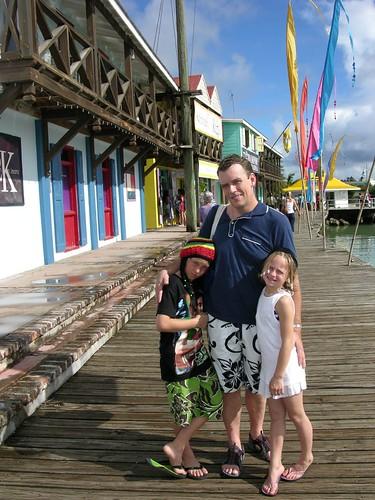 Antigua R Family