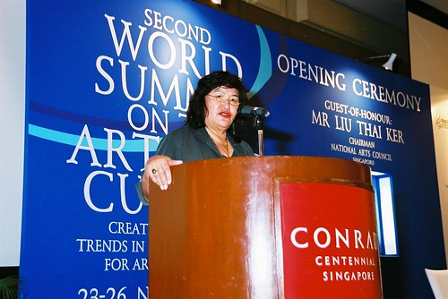 Dr Elizabeth Ellis (New Zealand) speaks at the second World Summit on Arts & Culture, Singapore, November 2003