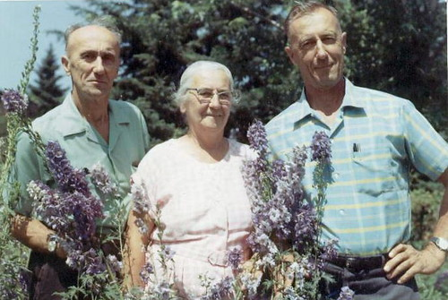 Great Uncle Mike, Great Aunt Anna, Great Uncle Steve.