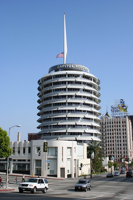 Hollywood Records: Los Angeles.Capitol Records (stack Of Records) Building