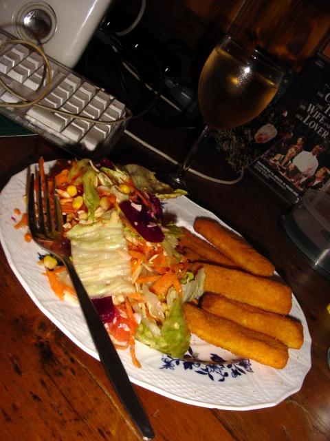 Fish sticks & salad