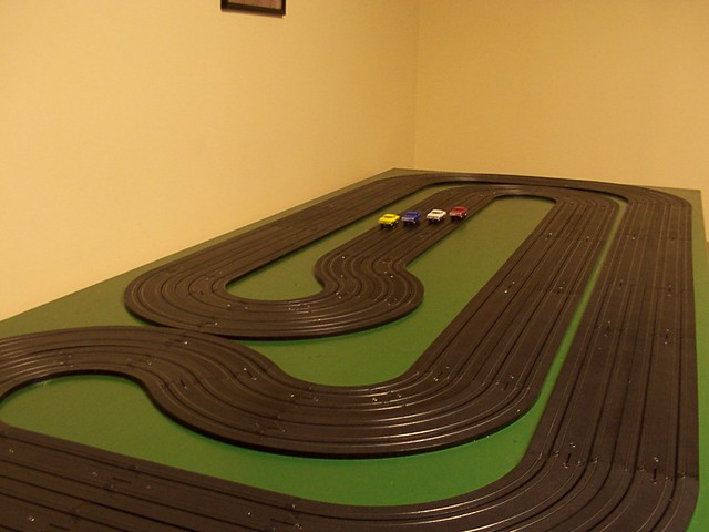 my tuckaway 25  ho scale slot car track