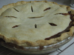 cream pie(0.0), produce(0.0), custard pie(0.0), torte(0.0), pie(1.0), baked goods(1.0), food(1.0), dish(1.0), dessert(1.0), cherry pie(1.0), cuisine(1.0), apple pie(1.0),
